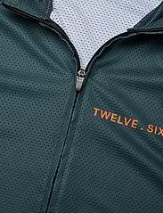 Twelve Sixteen - Jersey S/S Elite 09 spinn Men LTD. - t-shirts - black - 2