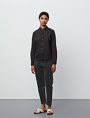 2NDDAY - 2ND Stace ThinkTwice - long sleeved blouses - black - 4