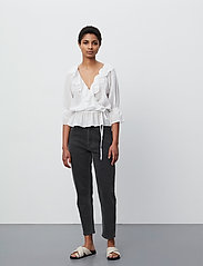 2NDDAY - 2ND Maureen ThinkTwice - long sleeved blouses - bright white - 4