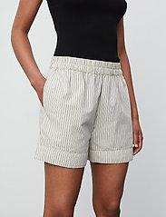 2NDDAY - 2ND Kassandra Stripe - casual shorts - taos taupe - 0