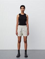 2NDDAY - 2ND Kassandra Stripe - casual shorts - taos taupe - 4