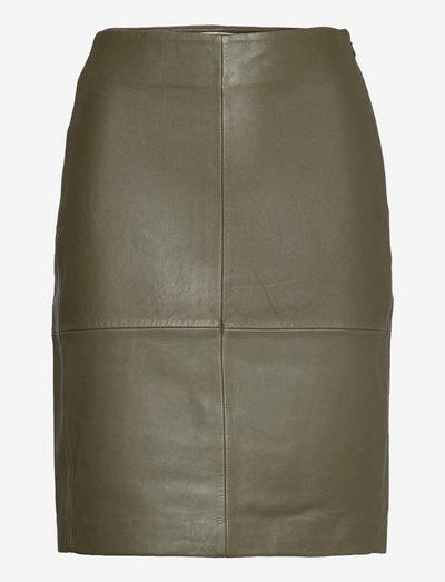 2ND Cecilia - Classic Leather - nederdele i læder - olive night