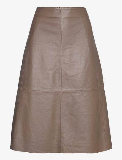 2ND Marvin - Refined Leather - nederdele i læder - falcon