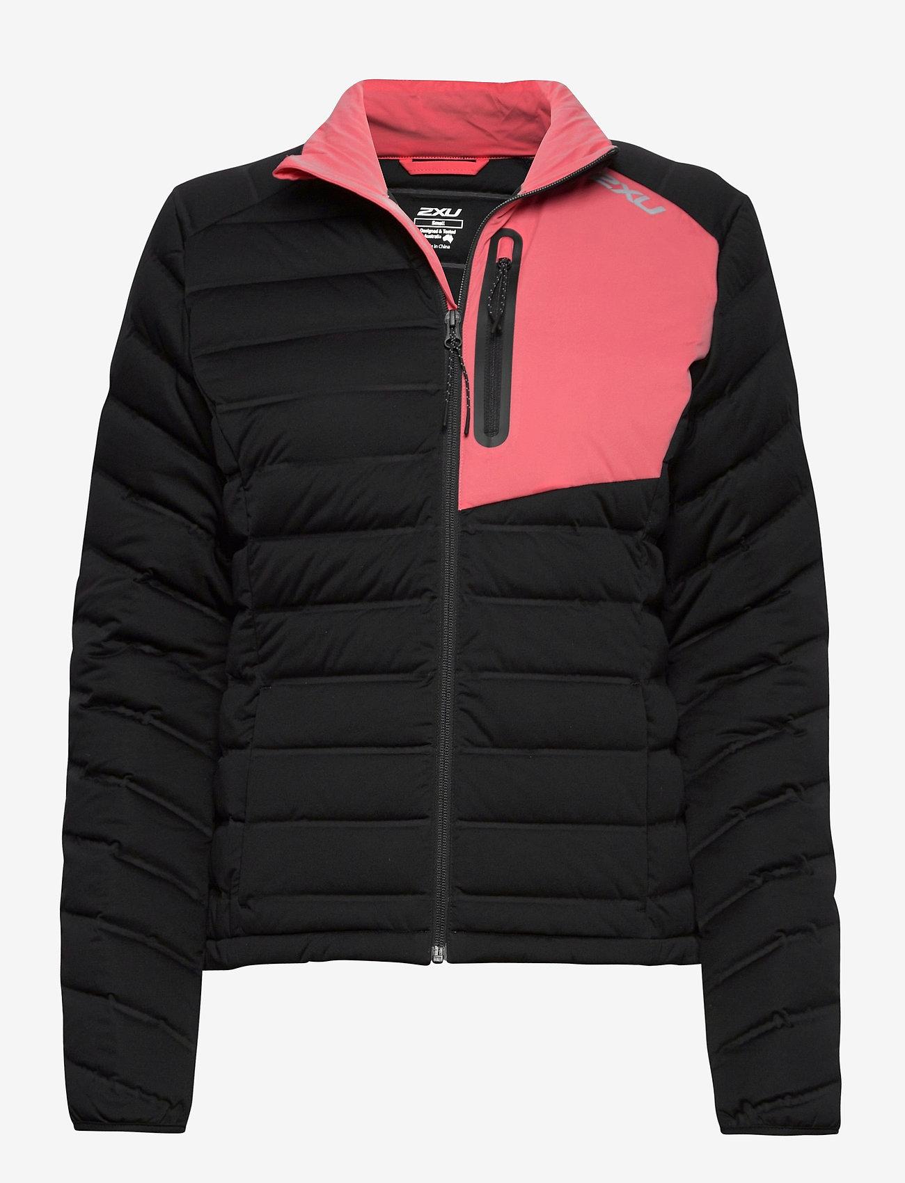 2XU - PURSUIT Insulation Jacket-W - träningsjackor - black/pink lift - 0