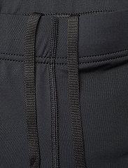 2XU - MCS Run Comp Shorts-W - træningsshorts - black/gold reflective - 3