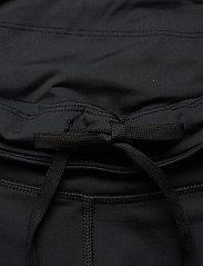 2XU - LIGHT SPEED MID-RISE COMPRESS - training korte broek - black/gold reflective - 2