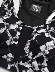 2XU - Perform Medium Impact Crop-W - sport bras: medium - textured check black/silver - 2