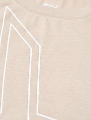 2XU - FORM CROP TEE - navel shirts - oatmeal/white - 2