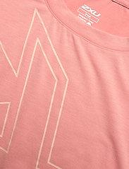 2XU - FORM CROP TEE - navel shirts - rosette/sherbert - 2