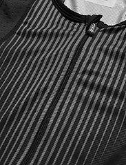 2XU - PERFORM FULL ZIP SLEEVED TRIS - training korte broek - black/shadow - 2
