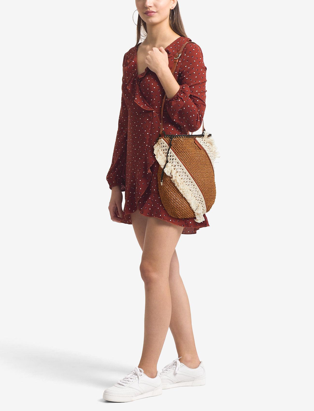 82239a6a1 Marlee Open Weave Bag W Fringe (Cognac) (3860.35 kr) - 3.1 Phillip ...