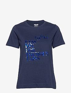 Naomi W Tee - logo t-shirts - indigo