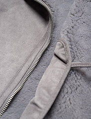 Abercrombie & Fitch - ANF WOMENS OUTERWEAR - faux fur - med grey flat - 5