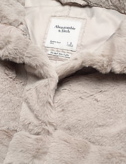 Abercrombie & Fitch - ANF WOMENS OUTERWEAR - faux fur - light grey flat - 3