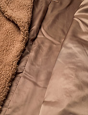 Abercrombie & Fitch - ANF WOMENS OUTERWEAR - faux fur - light brown dd - 4