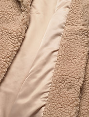 Abercrombie & Fitch - ANF WOMENS OUTERWEAR - faux fur - med brown dd - 4