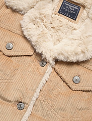 Abercrombie & Fitch - Corduroy Trucker with Sherpa Collar - jeansjacken - light brown dd - 3