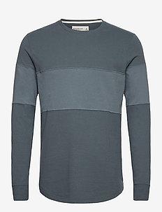 ANF MENS KNITS - basis-t-skjorter - med blue pattern