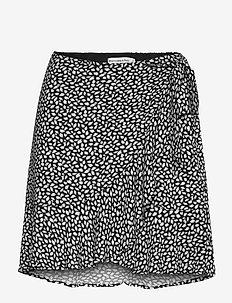 Ruffle Wrap Mini Skirt - korta kjolar - black pattern