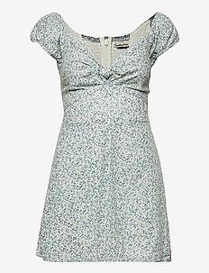 ANF WOMENS DRESSES - sommarklänningar - green