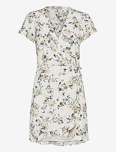 ANF WOMENS DRESSES - sommerkjoler - white grounded floral