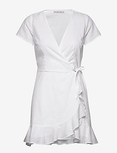 Ruffle Hem Wrap Mini - WHITE