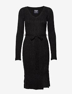 Sweaterdress - BLACK DD