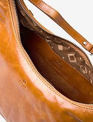 Adax - Salerno shoulder bag Robbie - handväskor - cognac - 4