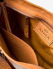 Adax - Teramo shoulder bag Helen - sacs à bandoulière - cognac - 4