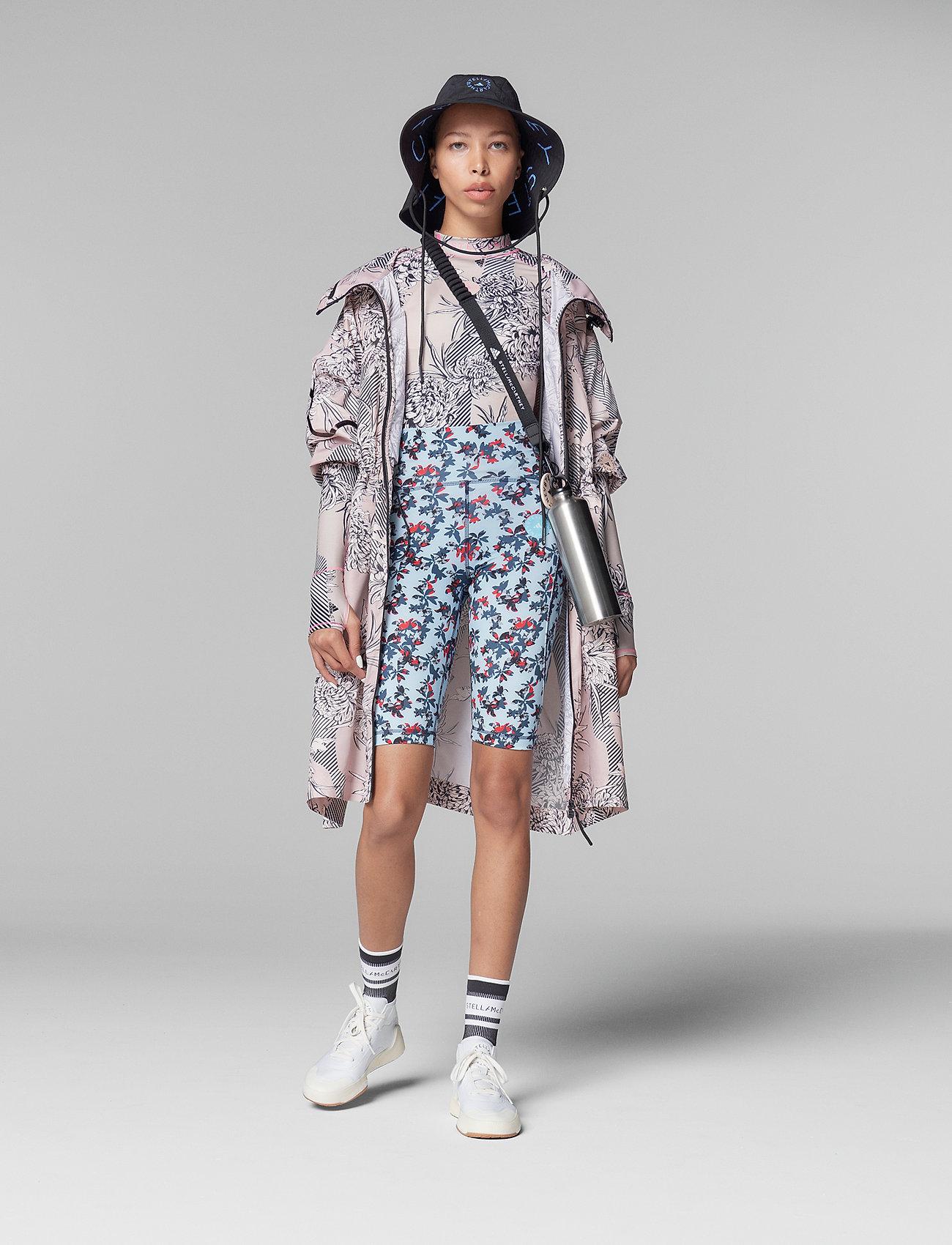 adidas by Stella McCartney - Long Lightweight Allover Print Parka W - parka coats - pnktin/talc/pearos/bl - 5