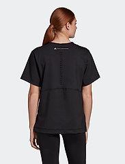 adidas by Stella McCartney - TrueStrength Loose T-Shirt W - t-shirts - black - 3