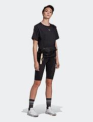 adidas by Stella McCartney - TrueStrength Loose T-Shirt W - t-shirts - black - 4