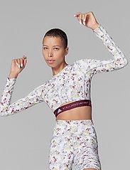 adidas by Stella McCartney - Future Playground Long Sleeve Crop Top W - tops & t-shirts - clowhi/pnktin/aciyel/ - 0