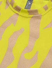 adidas by Stella McCartney - Future Playground T-Shirt W - t-shirts - aciyel/pearos - 3