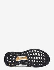 adidas by Stella McCartney - Ultraboost X W - running shoes - cblack/cblack/ftwwht - 5