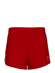 3 STR SHORT - SCARLE