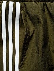 adidas Originals - SHORTS - træningsshorts - dusgrn - 4