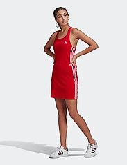adidas Originals - Adicolor Classics Racerback Dress W - bodycon jurken - scarle - 0