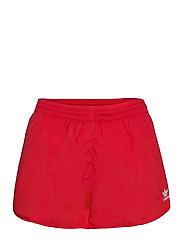 Adicolor Classics 3-Stripes Shorts W - SCARLE