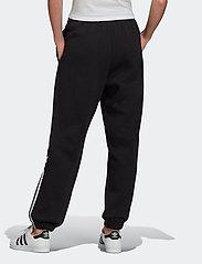 adidas Originals - Adicolor 3D Trefoil Fleece Pants W - bukser - black - 5