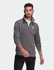 adidas Originals - Adicolor Essentials Polar Fleece Half-Zip Sweatshirt - basic sweatshirts - grefiv - 0