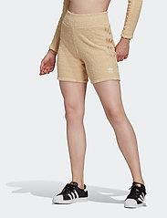 adidas Originals - Shorts W - træningsshorts - hazbei - 0