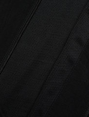 Lock Up Tt (Blackwhite) (599 kr) adidas Originals