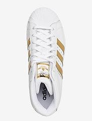 adidas Originals - SUPERSTAR UP W - hoge sneakers - ftwwht/goldmt/cblack - 3