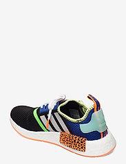 adidas Originals - NMD_R1 - laag sneakers - cblack/ftwwht/scrora - 2