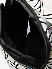 adidas Originals - BP MINI 3D - trainingstassen - silvmt - 4