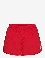 adidas Originals - Adicolor Classics 3-Stripes Shorts W - træningsshorts - scarle - 1
