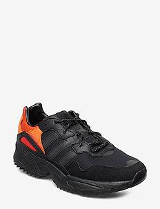 YUNG-96 TRAIL - chunky sneaker - cblack/trgrme/flaora
