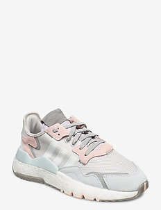 NITE JOGGER W - lave sneakers - greone/ftwwht/pnktin