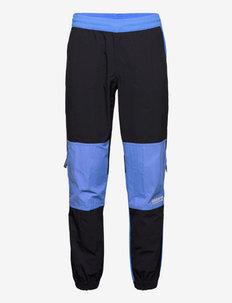 Adventure Traverse Woven Pants - sweatpants - black/focblu